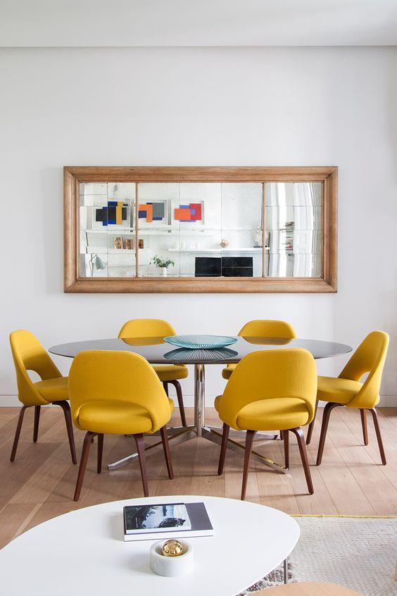 Decoraci n inspiraci n color mostaza interiorismo eventos for Sillas amarillas comedor